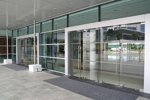 GLASS DOOR REPAIRS & Glass Door Repairs | Dorma Door Closers - Door Doctors